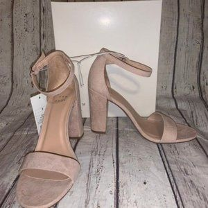 a. new. day Womens size 6 Heels NWT